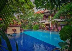 哈努曼阿拉亞精品酒店 - 暹粒 - 游泳池