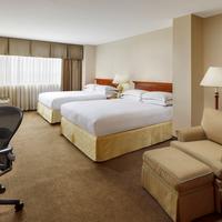 APA Hotel Woodbridge Guestroom