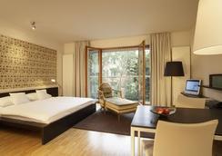 安科納里英格斯87號柏林酒店 - 柏林 - 臥室