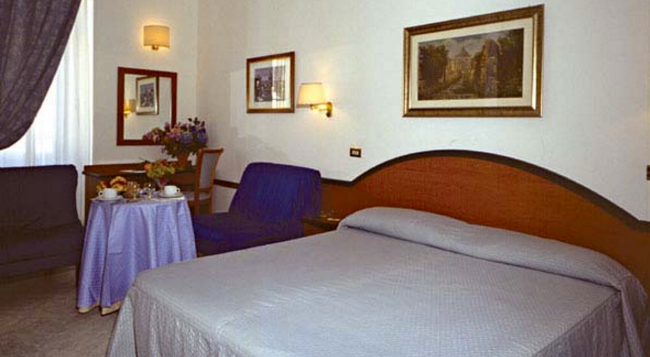 Hotel Sonya - 羅馬 - 臥室