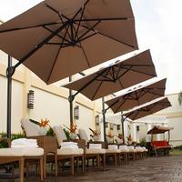 The Avenue Plaza Hotel