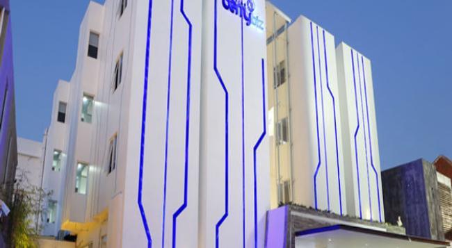 Berry Biz Hotel - 勒吉安 - 建築