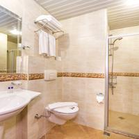 Kleopatra Royal Palm Hotel Bathroom