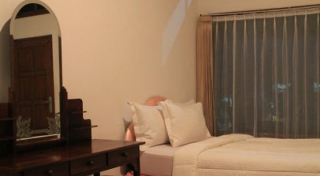 Hotel Ratu - 登巴薩 - 臥室