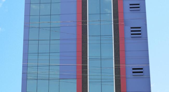 Hotel Slv Grand - 蒂魯伯蒂 - 建築