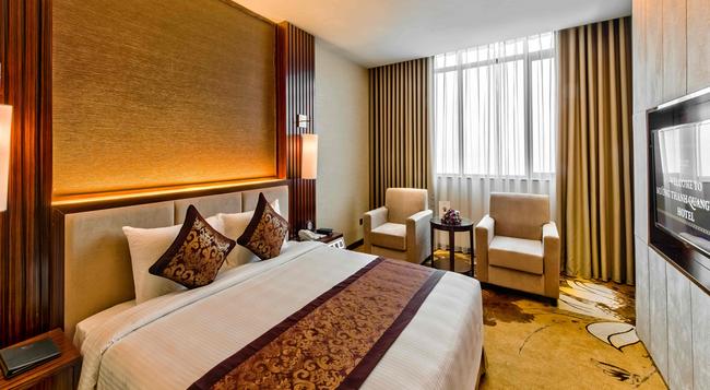 Muong Thanh Luxury Quang Ninh Hotel - 下龍灣 - 臥室