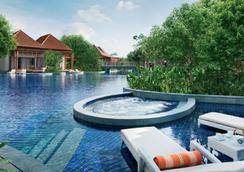 新加坡聖淘沙名勝世界海濱別墅 - 新加坡 - 游泳池