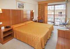 弗萊明港酒店 - 貝尼多姆 - 臥室
