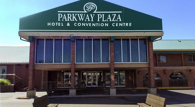 Parkway Plaza Hotel & Convention Centre - 卡斯珀 - 建築
