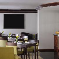 Movenpick Hotel & Apartments Bur Dubai Bar/Lounge