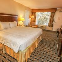 Clarion Hotel & Conference Center Guest room