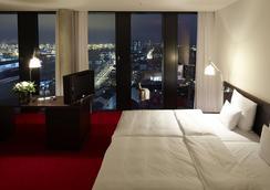 帝王河畔酒店 - 漢堡 - 臥室