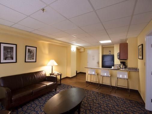 坦帕巴里摩爾酒店 - 坦帕 - 客廳