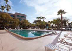 坦帕河堤豪生廣場飯店 - 坦帕 - 游泳池