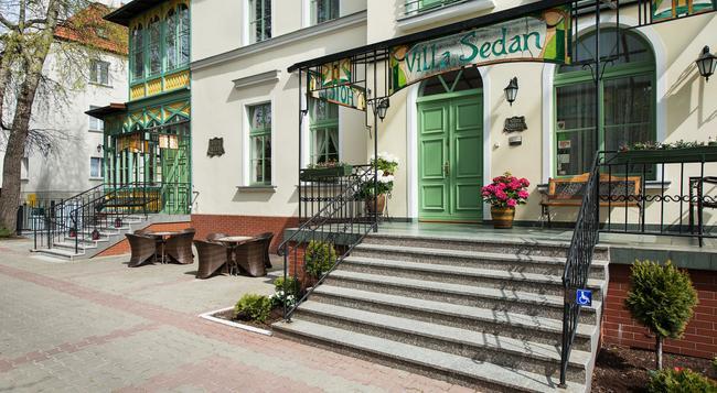 Hotel Sedan - 索波特 - 建築