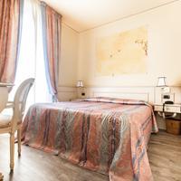 Hotel San Luca Guestroom