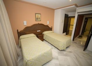 洛斯奧美亞斯酒店