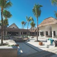 Ambre Resort & Spa Exterior detail