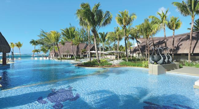 Ambre Resort & Spa - 貝爾馬爾 - 游泳池