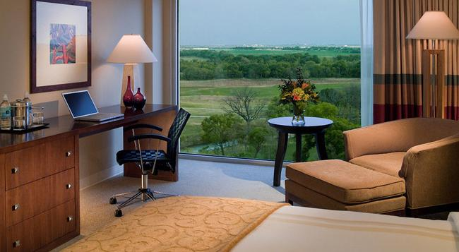 Dallas Fort Worth Marriott Hotel and Golf Club at Champions Circle - 沃思堡 - 臥室