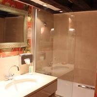 Hôtel de la Bretonnerie Bathroom