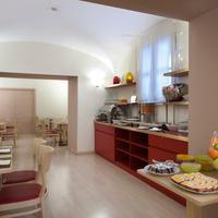 Hotel Garibaldi Breakfast Area