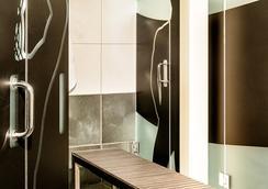 珀斯南海灘酒店 - 邁阿密海灘 - 浴室