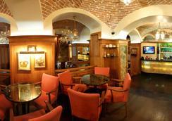 瑞士酒店 - 利沃夫 - 餐廳