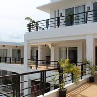 Be-ing Suites Terrace/Patio