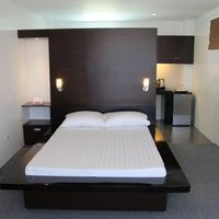 Be-ing Suites Guestroom