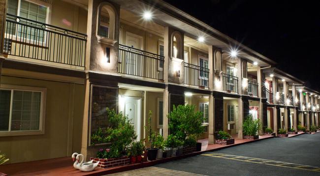 Stone Villa Inn - 聖馬特奧市 - 建築