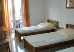 Sun Hostel Budva - 布德瓦 - 臥室