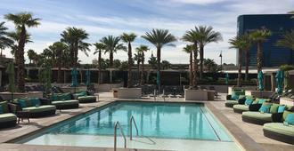 簽名豪華套房國際酒店 - 拉斯維加斯 - 游泳池