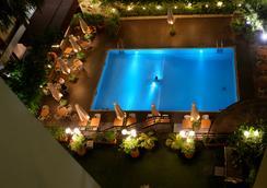 Hotel Memling - Kinshasa - 游泳池