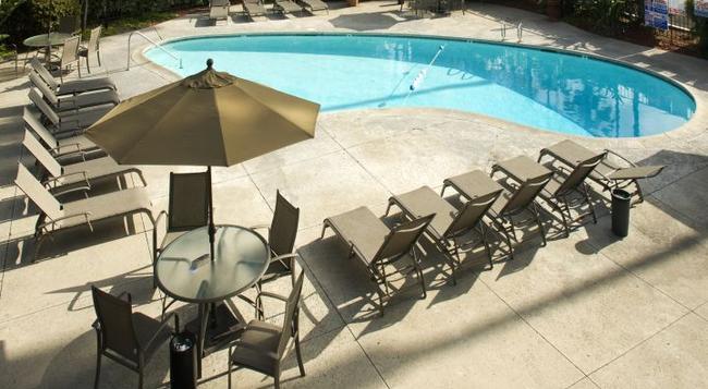 Hotel Iris - San Diego - 聖地亞哥 - 游泳池
