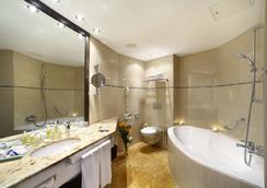 Grand Hotel Bohemia - 布拉格 - 浴室