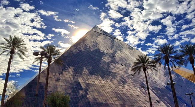 Luxor Hotel and Casino - 拉斯維加斯 - 建築