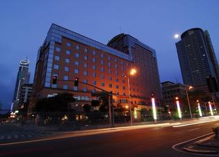馬尼拉灣景園酒店