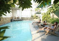 蘭卡斯特酒店 - Mandaluyong - 游泳池