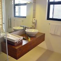 Rockwell Colombo Bathroom