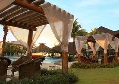 瑞坎託卡塔拉塔斯溫泉度假村及會議酒店 - 福斯的伊瓜蘇 - 游泳池