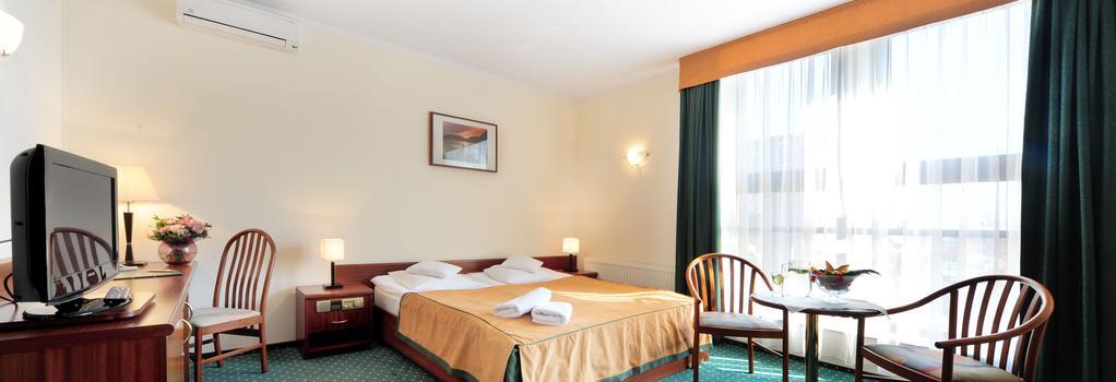 Hotel T&T - Poznan - 臥室