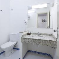 Bella Italia Hotel & Eventos Bathroom
