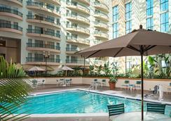 薩凡納河畔萬豪酒店 - 薩凡納 - 游泳池