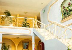 Hotel Posada del Sol Inn - 托雷翁 - 大廳