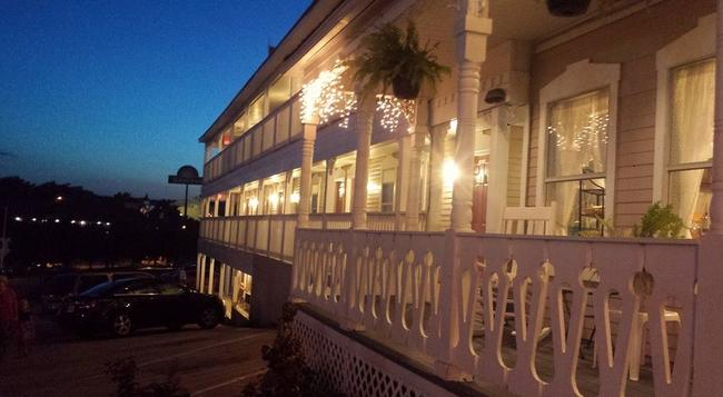 Branson Victorian Inn - 布蘭森 - 建築