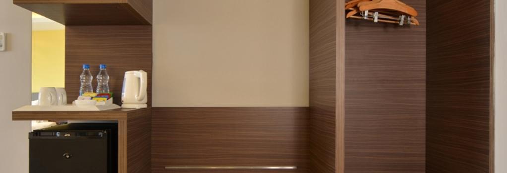 Holiday Inn Express Ahmedabad Ashram Road - 艾哈邁達巴德 - 臥室