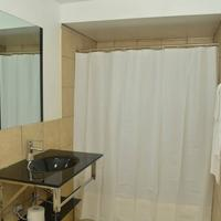 Bexon Rooms - Hotel Downtown Windsor Bathroom