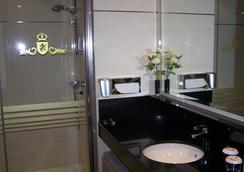 華盛頓帕克索爾套房酒店 - 巴利亞多利德 - 浴室