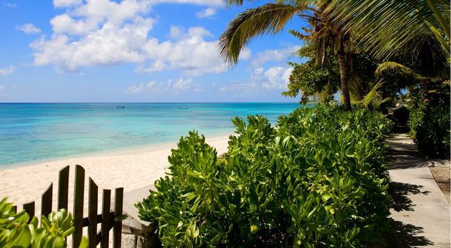 Osprey Beach Hotel - 科伯恩城 - 海灘